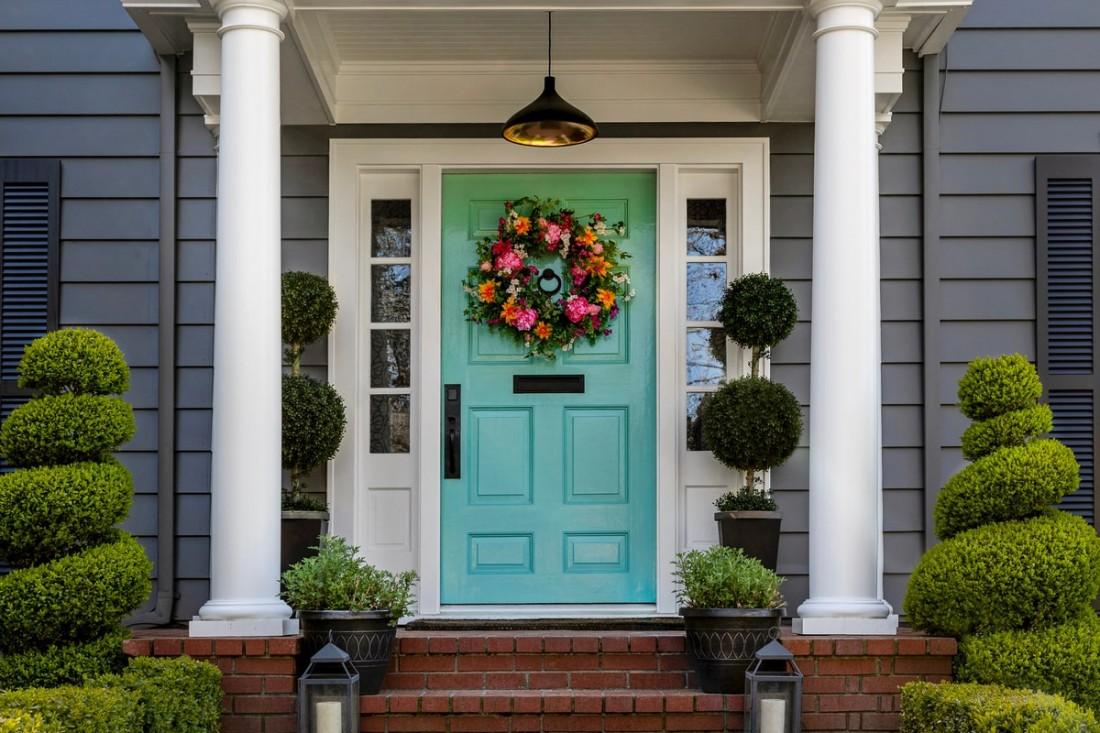 Consigli di stile: come abbellire una porta d'ingresso